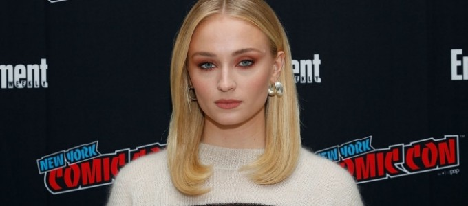 "Sophie Turner fala sobre ""Game of Thrones"", ""X-Men"", carreira e cuidados capilares para a Refinary29"